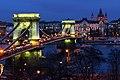 Budapest Széchenyi (Chain Bridge) (31368305115).jpg