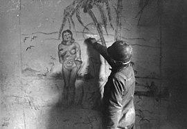 Bundesarchiv Bild 101I-309-0816-20A, Italien, Soldat zeichnend