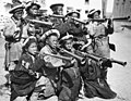 Bundesarchiv Bild 135-KB-09-042, Tibetexpediton, Kinder mit Blasinstrumenten.jpg