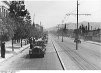 Bundesarchiv Bild 146-1979-123-32, Athen, Einmarsch deutscher Truppen.jpg