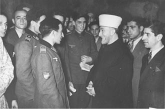 The Holocaust in Russia - The Grand Mufti of Jerusalem, Haj Amin al-Husseini, talking to Azerbaijani Legion volunteers