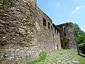 Burg Reuland - gevel (1).jpg