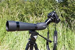 Flight zone - Because many birds flee from humans, ornithologists and birdwatchers sometimes use digiscoping equipment, allowing them to take pictures from long distances.