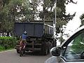 Camion con parasito (14958507543).jpg