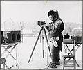 Carl Størmer fotograferer nordlyset.jpg