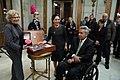 Carmena entrega la Llave de Oro de la ciudad al presidente de Ecuador 07.jpg