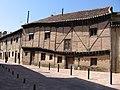 Casa retorcida en Saldaña - panoramio.jpg