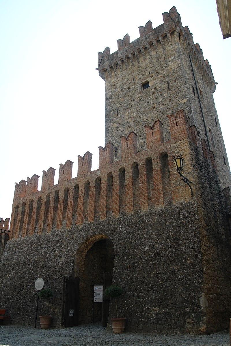 Castello di Vigoleno (Vernasca) 02.jpg