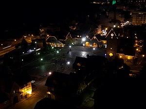 Centro C%C3%ADvico de Bariloche de noche