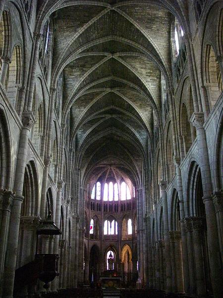 Interior of Notre-Dame-en-Vaux collegiate church in Châlons-en-Champagne (Marne, France): nave