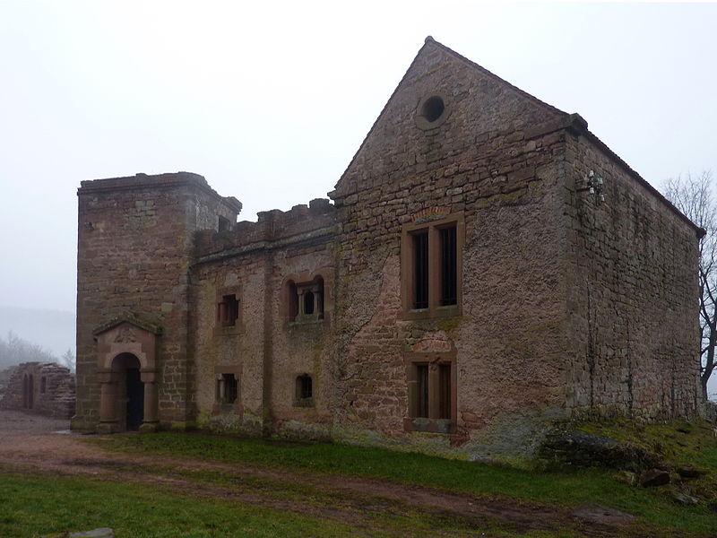 """Bâtiment dit """"chapelle"""", château du Lutzelbourg, Lutzelbourg, Moselle, France"""