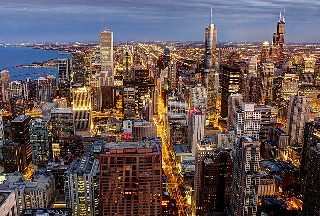 Downtown Chicago: home to many beauty schools