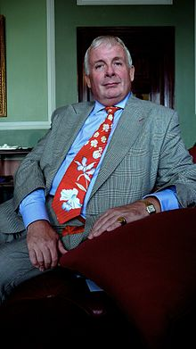 Christopher Biggins Allan Warren.jpg