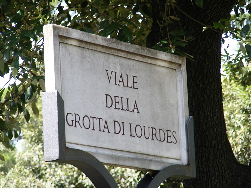 Città del Vaticano - Viale della Grott di Lourdes