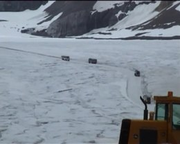 Bestand:Columbia Icefield-Athabasca Glacier.ogv