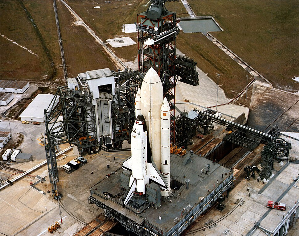 Columbia STS-1 arrival at launch pad