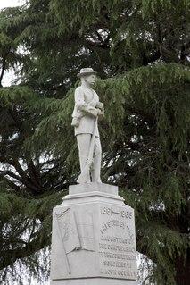 <i>Tuskegee Confederate Monument</i>