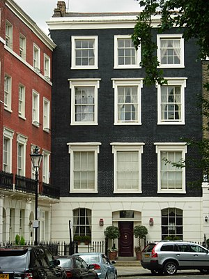 Connaught Square - An example of Connaught Square's Georgian architecture