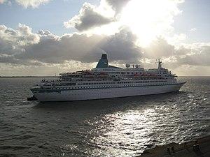 Cruise ship Albatros 2012-05-12.jpg