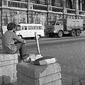 Członek wyprawy – A. Ananicz przed Parlamentem - Budapeszt - 002443n.jpg
