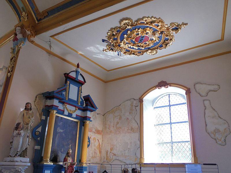 Décor en stuc de 1766 et peinture murale de la première moitié du XVIème siècle de l'église Saint-Pierre de Hody. Stucs classés patrimoine exceptionnel de Wallonie depuis le 27 mai 2009.