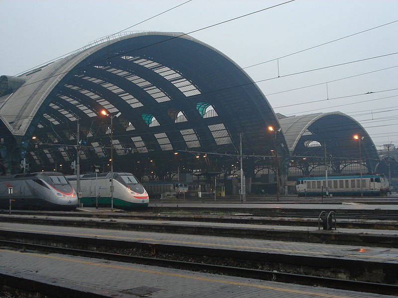 Image:DSC02042 Uscita Stazione centrale di Milano - Foto Giovanni Dall'Orto 1-1-2007.jpg