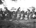 Dansfest hos ashluslay. Mannen som står upprätt är en mestis. Foto, Erland Nordenskiöld 1908 - SMVK - 004646.tif