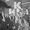 De Kerkrader-carnavalsclub met hun prins, Bestanddeelnr 918-4782.jpg