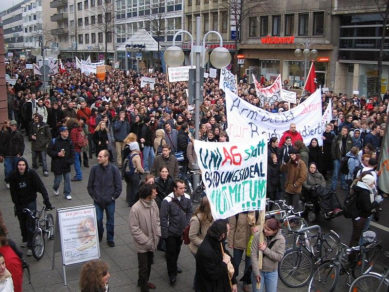 Datei:Demo - gegen Studiengebühren - Mannheim.jpg