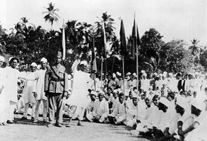 1930 లో బ్రిటిష్ వారికి వ్యతిరేకంగా స్వాతంత్రం కోసం పోరాటం జరుపుతున్న ఒక సమూహం