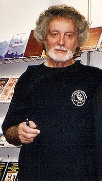 Erić at the Belgrade Book Fair in 2004