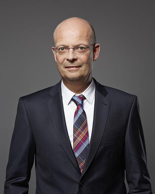 Dr. Bernd Wiegand, Oberbürgermeister, Wikipedia