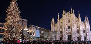 Piazza Duomo in Milan during christmas holiday...