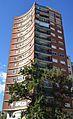 Edifici d'habitatges a l'inici del carrer de Sagunt, València.JPG