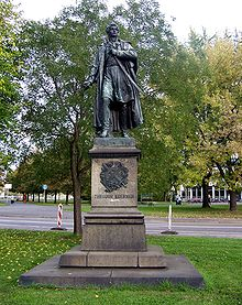 Statue of Körner in Dresden (Ernst Julius Hähnel) (Source: Wikimedia)