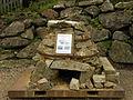 Eisenerz - beim Schichtturm ausgestellter nachgebauter Rennofen.jpg