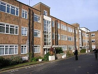 Frederick Gibberd - Ellington Court, Southgate