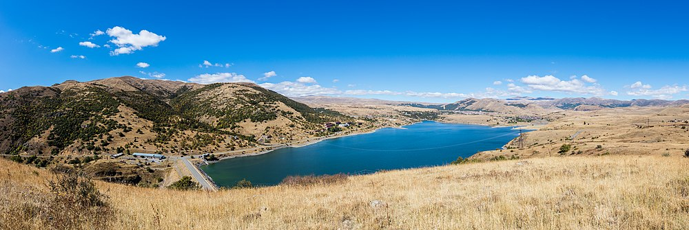 Embalse de Kechut, Armenia, 2016-10-01, DD 60-63 PAN.jpg