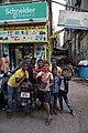 Enfants de rue - Mumbai (Maharashtra, India) (32876886233).jpg