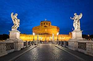 Rzym: Engelsburg und Engelsbrücke abends