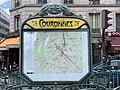 Entrée Station Métro Couronnes Paris 4.jpg