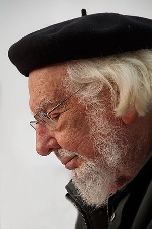 Ernesto Cardenal reads his own poems in La Chascona (Santiago, Chile)