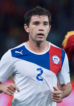 Eugenio Mena - Spain vs. Chile, 10th September 2013 (cropped).jpg