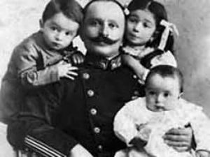 Fakhri Pasha - Fakhri Pasha with his children