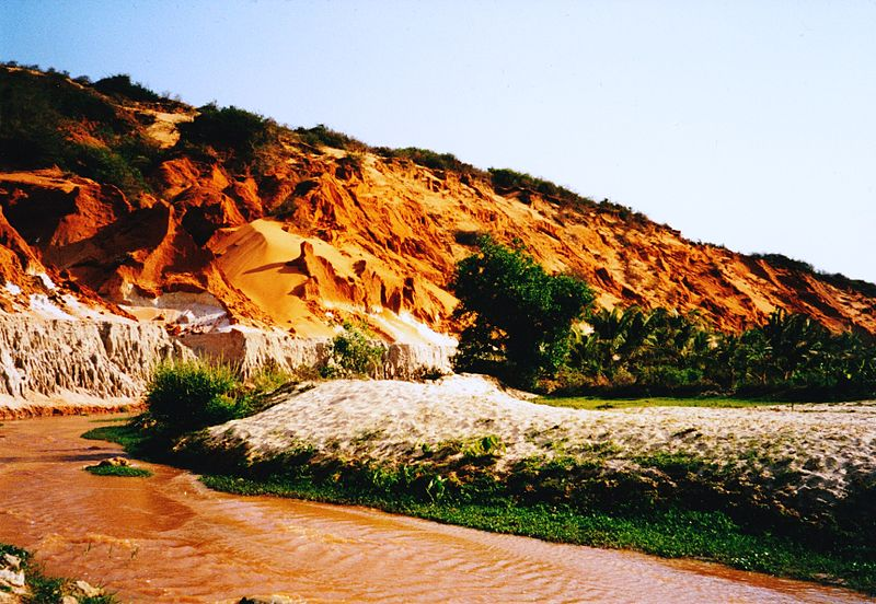 File:Fairy Stream at Mui Ne - 2003.jpg