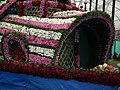 Floral Boat model from Lalbagh flower show Aug 2013 8256.JPG