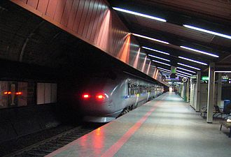 Oslo Tunnel - A Class 71 train at Nationaltheatret Station