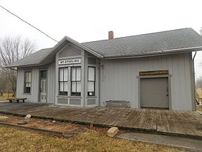 Former train station in Mount Sterling, Illinois.jpg