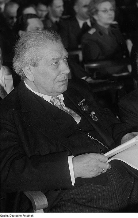 يوسف إبراهيم في لايبزغ في يناير 1953، قبيل وفاته بأسابيع قليلة