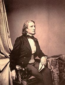 Liszt in 1858 by Franz Hanfstaengl (Source: Wikimedia)